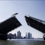 Агентство TBWA запустило Smart Brabus через разводной мост