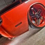 Spade Made установил на Dodge Challenger 26-дюймовые диски