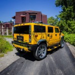 Красиво обтянутый салон Hummer H2