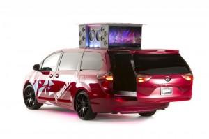 Музыкальный минивэн Toyota Sienna Remix от West Coast Customs